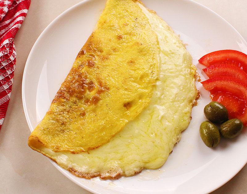 أومليت بيض بالجبنة